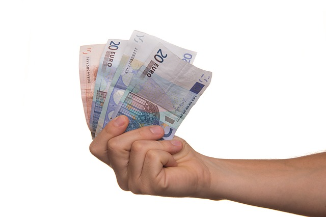 ruka, eurobankovky