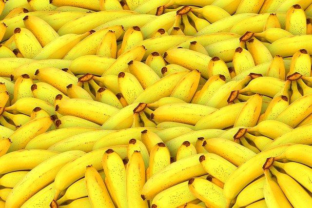 spousta banánů