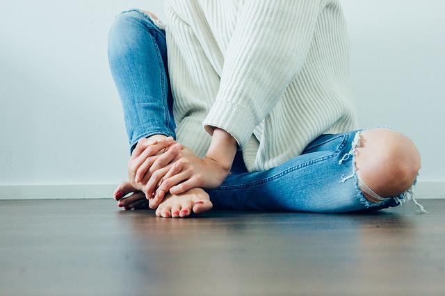 děravé koleno