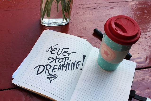 nepřestávej snít